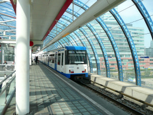 Amsterdam_Station_Sloterdijk_001-Metro-FranklinHeijnenJun2008-lowres